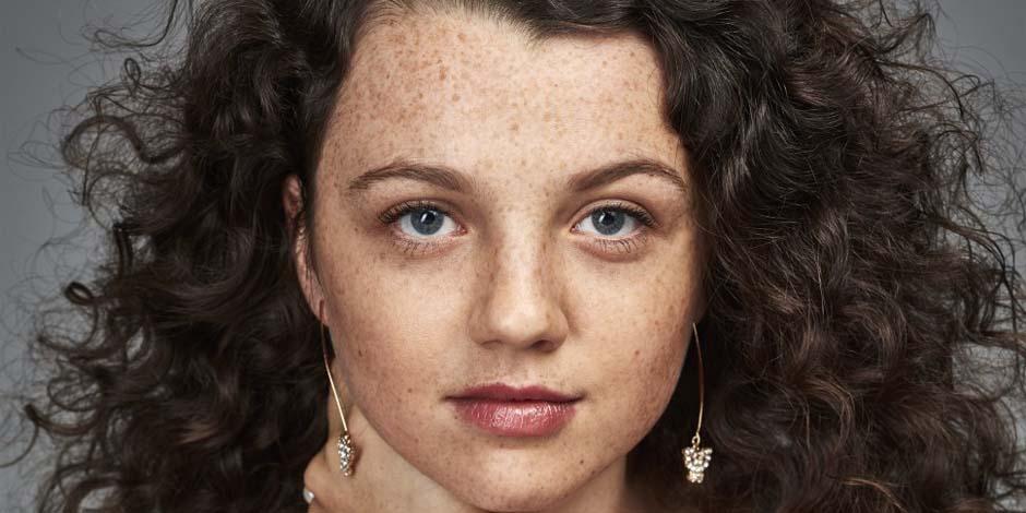 Stefania LaVie Owen